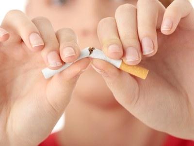 """Fènix i la Fundació SHE engeguen una campanya sobre el """"NO consum de tabac"""""""
