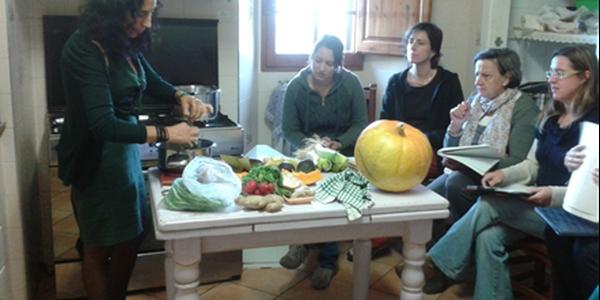 L'Associació Fènix d'ajuda i suport contra el càncer, participa en l'organització d'un taller de cuina macrobiòtica