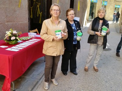 L'Associació Fènix recull més de 2.400 euros el dia de la captació per la Fira de Sant Isidre